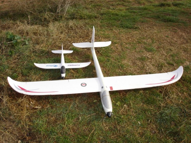 HK Mini Swift y Easy Glider Pro en el campo